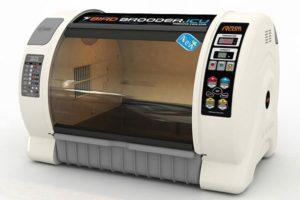 Как обеспечивается микроклимат в инкубаторе